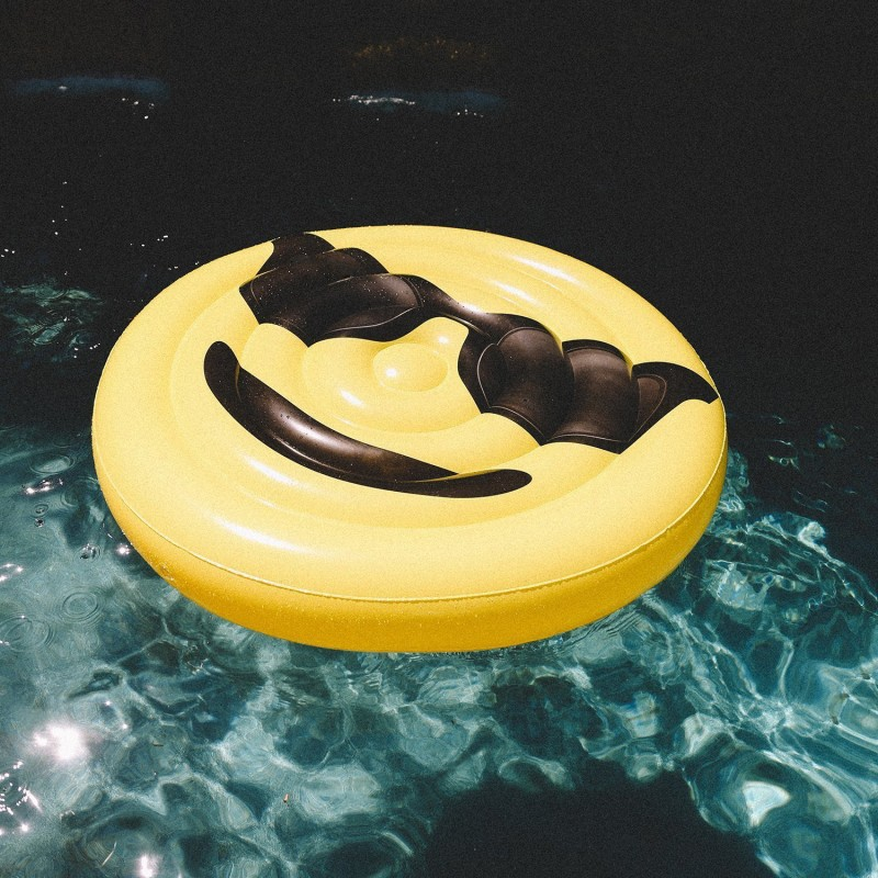 smiley sun matelas gonflable g ant beach toy. Black Bedroom Furniture Sets. Home Design Ideas
